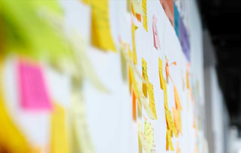 Content-Strategy---Post-it-note-wall