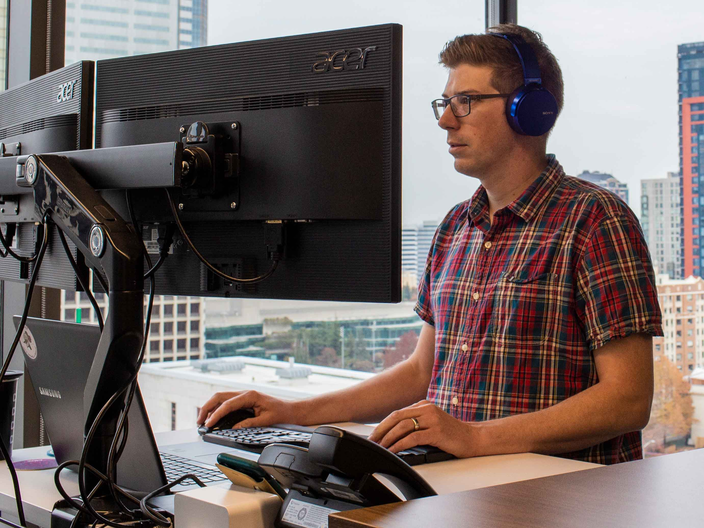 Zac-Heinrichs-working-hard-at-Portent a digital marketing agency